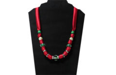 Christmas necklace with silky fabric
