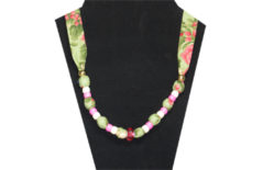 A pretty Christmas necklace in pinks and greens