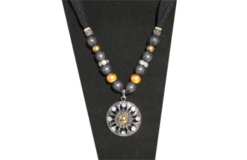 Necklace with medallion pendant